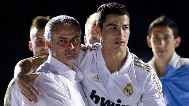 Cristiano Ronaldo dikabarkan mendukung rencana Juventus merekrut Jose Mourinho sebagai pengganti Massimiliano Allegri pada musim depan.