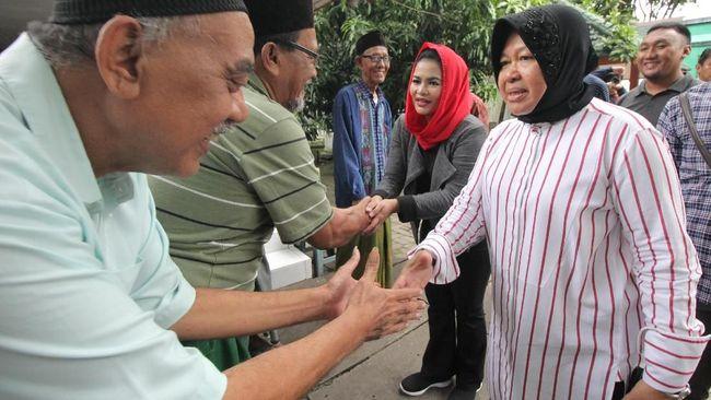 Tim advokasi paslon Machfud-Mujiaman melaporkan Wali Kota Surabaya Tri Rismaharini ke Bawaslu Kota Surabaya karena diduga tak netral.