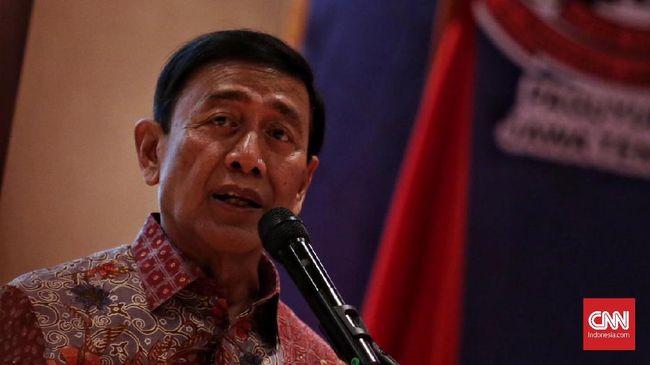 Wiranto tak menyebut siapa eks pejabat yang dimaksud, namun dia menuding sorotan eks pejabat tersebut terhadap angka kemiskinan di Indonesia, berbau politik.