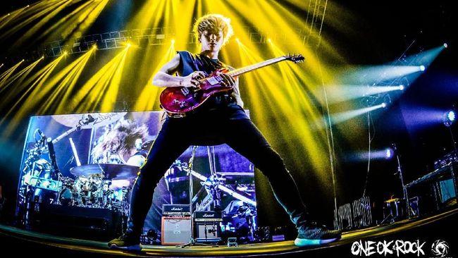 Toru Yamashita, gitaris band asal Jepang, ONE OK ROCK, dikonfirmasi terinfeksi virus corona pada Selasa (28/7).