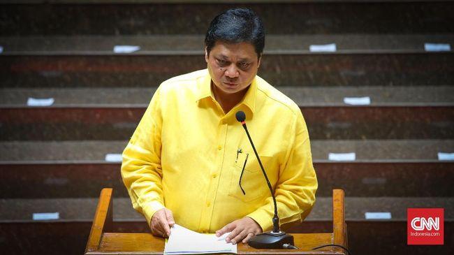 Walau Airlangga sudah menggantikan Setnov sebagai ketua umum, elektabilitas partai Golkar masih stagnan. Salah satu penyebabnya, Golkar tak punya tokoh sentral.