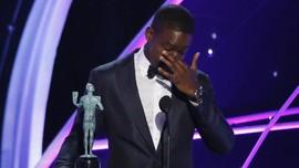 Sterling K. Brown Gebrak Sejarah Warna Kulit di SAG Awards