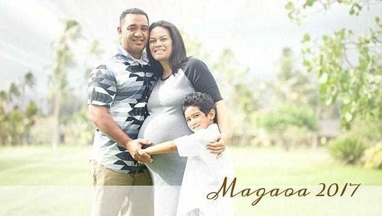 Sang istri meninggal, pria ini pun merawat bayi kembar tiganya.