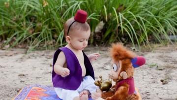 Kisah Penantian di Balik Foto Bocah Berkostum Pangeran Disney