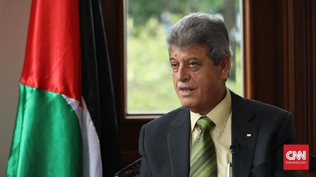 Kedubes Palestina mengklaim Dubes Zuhair Al-Sun hadir di deklarasi KAMI hanya lima menit, yakni ketika menyanyikan lagu Indonesia Raya.
