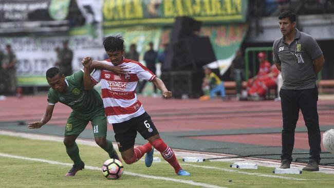 Sejumlah klub-klub peserta Liga 1 2018 menunjukkan sikap solidaritas terkait insiden bom gereja Surabaya pada Minggu (13/5) pagi.