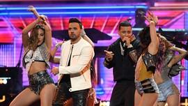 Luis Fonsi 'Despacito' Borong Piala Latin Grammy Awards