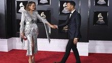 Chrissy Teigen Umumkan Hamil Anak Ketiga John Legend