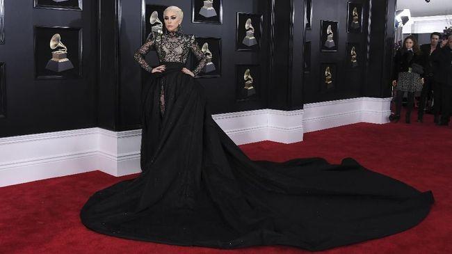 Penyanyi Lady Gaga disebut akan beraksi menjadi Patrizia Reggiani, wanita yang dituduh membunuh suaminya Maurizio dari dinasti pemilik merek Gucci.