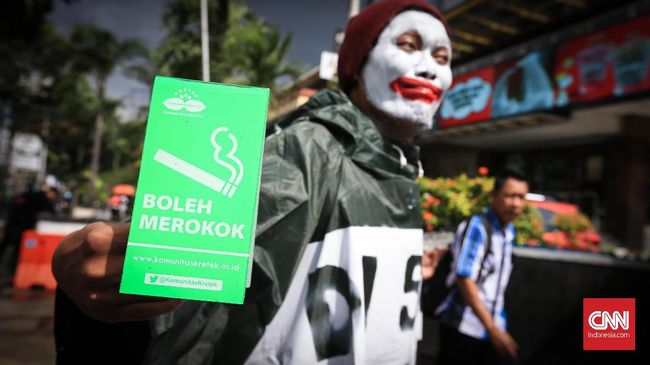 Pemerintah Kota Yogyakarta memberlakukan sanksi sosial berjenjang bagi masyarakat yang melakukan pelanggaran di kawasan tanpa rokok (KTR).