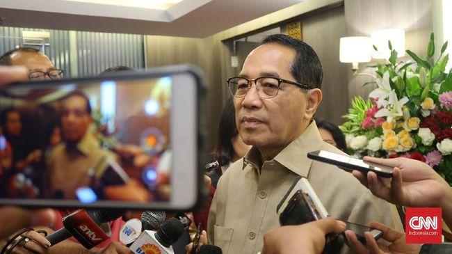 Menkumham Yasonna Laoly mengaku belum menyerah mengajukan revisi UU Narkotika saat merespons kritik DPR soal keseriusan pihaknya dalam legislasi.