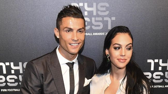 Kekasih Cristiano Ronaldo, Georgina Rodriguez, mendadak bikin heboh netizen di media sosial.
