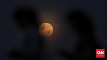 Waktu Terbaik Lihat Fenomena Fase Bulan Separuh Awal