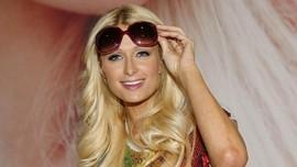 Paris Hilton Ikut Program Bayi Tabung Demi Punya Anak Kembar