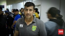 Mantan Pelatih Persebaya Kian Dekat dengan Arema FC