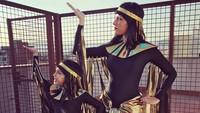 <div>Mau menari seperti apa ya kalau pakai kostum seperti ini? Kalau mau lihat aksinya ngintip saja di instagram-nya, Bun. (Foto: Instagram @mamaalexia_pg_official)</div><div></div>