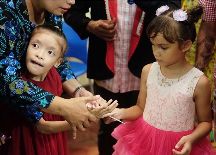 Chloe Valentine Lynch, putri sulung presenter Melaney Ricardo, berulang tahun ke-6. Ada pelajaran hidup yang diberikan sang bunda.