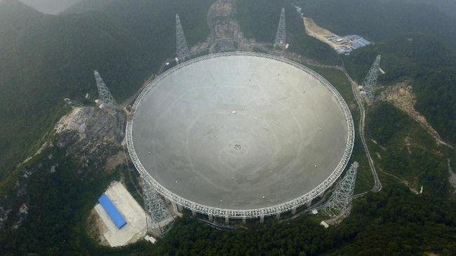 Satelit Raksasa China Tangkap Sinyal Keberadaan Alien