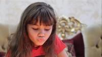 <p>Melaney juga berpesan pada Cloe untuk nggak takut selalu menjadi perpanjangan tangan Tuhan sebagai saluran berkat buat orang lain. (Foto: Instagram @melaney_ricardo)</p>