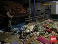 Petugas Pompa Air Sebut Sampah Jadi Penyebab Banjir Tak Surut