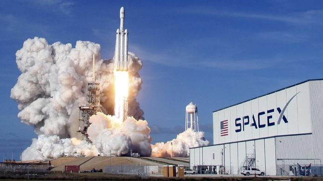 Setelah kesulitan untuk mendapat kontrak untuk Falcon Heavy, SpaceX akhirnya mendapat kontrak berikutnya dari pihak militer Angkatan Udara Amerika Serikat.