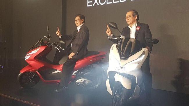Harga all-new Honda PCX tak jauh berbeda dari kompetitornya yaitu Yamaha Nmax. Harganya dipangkas membuat peta persaingan skutik 150 kian ketat.