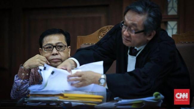 Dirut PT Karsa Wira Utama, Winata Cahyadi mengakui diminta duit untuk pejabat dan Mendagri. Duit itu agar perusahaannya bisa ikut proyek e-KTP.