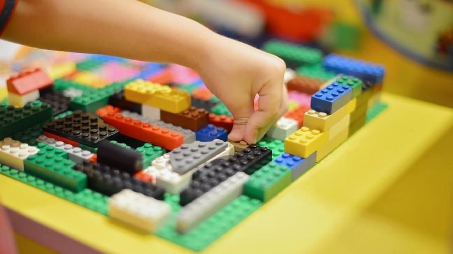 Stimulasi yang Bisa Didapat Anak Saat Bermain Blok