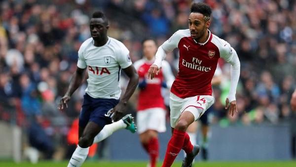 Arsenal Hantam Tottenham 4-2