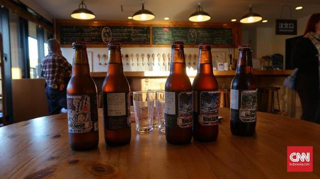 Jepang memiliki pabrik bir lokal yang punya rasa istimewa, bahkan pabrik bir lokal sendiri jadi atraksi wisata yang tak kalah seru saat ke Jepang.