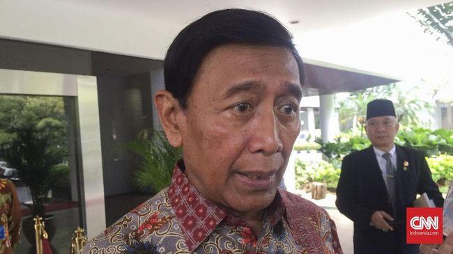 Menkopolhukam Wiranto meminta Menlu Retno Marsudi untuk memberi solusi terhadap penahanan dua anggota TNI AD oleh Polisi Diraja Malaysia.