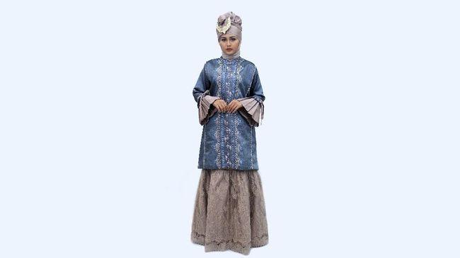 Desainer Indonesia Tuty Adib terpilih untuk menampilkan koleksinya di London Fashion Scout, London Fashion Week.