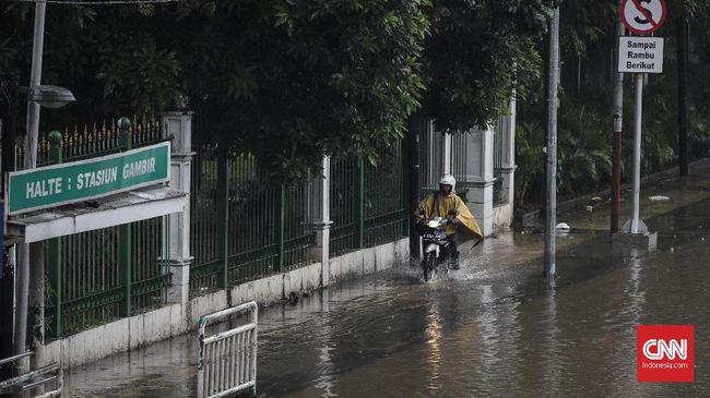 Jakarta darurat sumur resapan. Padahal sumur resapan sangat efektif mengurangi banjir. Namun, program yang sudah dicetus Jokowi di Jakarta belum diperhatikan.