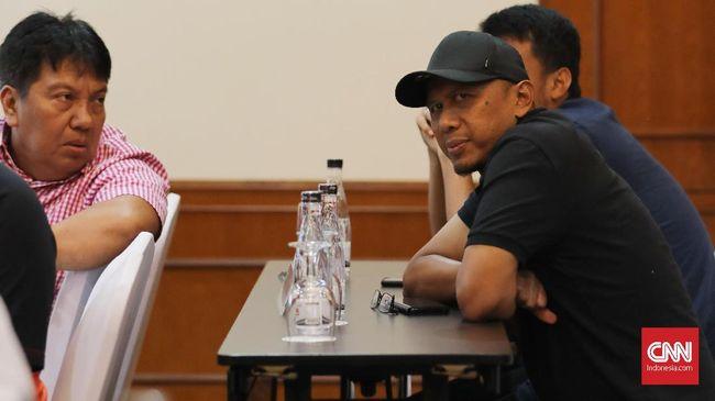 Pelatih Mitra Kukar Rahmad Darmawan tak mau memikirkan soal peluangnya menangani Timnas Indonesia.