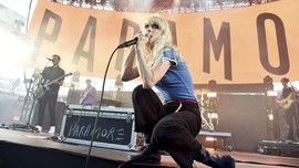 Vokalis Paramore Beri Kode Kehadiran Album Baru