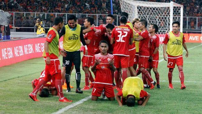 Persija Jakarta menjuarai Piala Presiden 2018 setelah mengalahkan Bali United 3-0 dalam laga final di Stadion Utama Gelora Bung Karno, Sabtu (17/2).