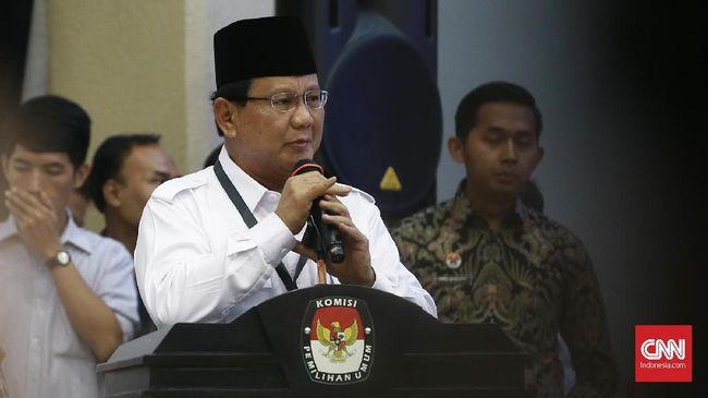 Prabowo Subianto hingga kini belum mendeklarasikan diri sebagai calon presiden. Pengamat politik menilai Prabowo sedang berhitung untuk maju Pilpres.
