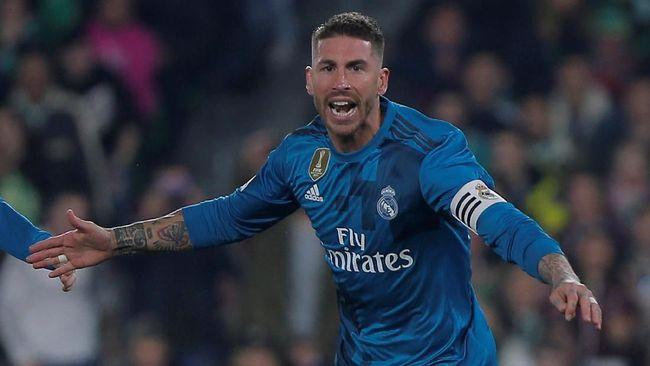 Sergio Ramos terancam sanksi tak bisa tampil di babak semifinal Liga Champions setelah tertangkap kamera menonton pertandingan di sisi lapangan.