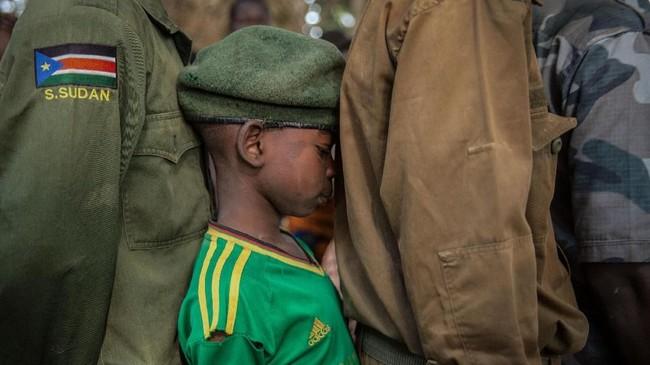 Lebih dari 300 tentara anak-anak dibebaskan di Yambio, wilayah yang tercabik perang di Sudan Selatan.
