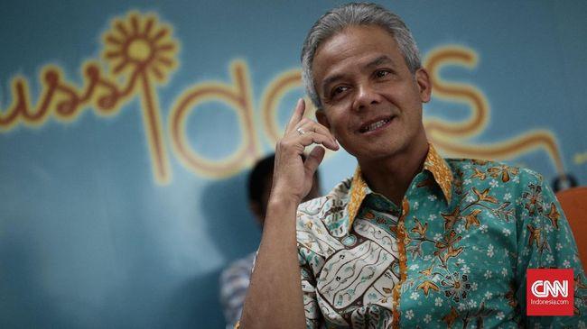 Ganjar Pranowo menyatakan pembayaran zakat mal dan fitrah di awal Ramadan untuk membantu masyarakat tak mampu di tengah wabah virus corona.