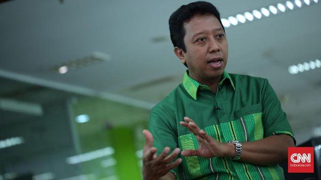 Ketua Umum PPP Romy menanggapi kampanye hitam yang menyebut suara azan akan dilarang dan pernihakan sejenis akan dilegalkan jika Jokowi kembali terpilih.