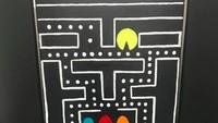 <p>Eh, ada hiasan Pac Man juga lho. Lucu ya! (Foto: Facebook/ Mary Moose Elementary)</p>
