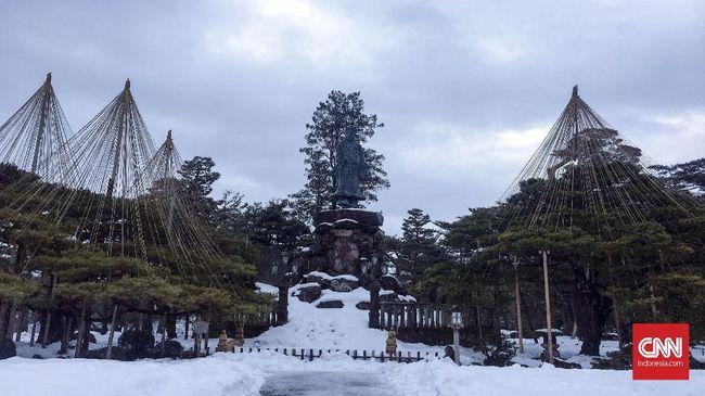 Jika tak punya banyak waktu untuk mengenal sejarah Jepang, berikut ini empat objek wisata yang wajib untuk dikunjungi.