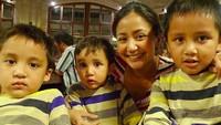 <p>Throwback saat Mahija, Janitra dan Rajaswa masih kecil. Cute banget ya mereka, Bun!(Foto: Instagram/ @amaranggana)</p>