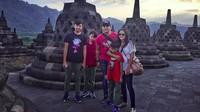 <p>Family time di Cadi Borobudur. Happy!(Foto: Instagram/ @amaranggana)</p>