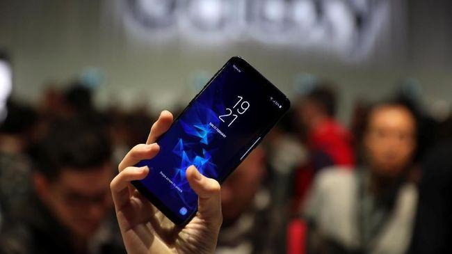 Selang 12 hari setelah diluncurkan di Barcelona, Samsung akhirnya memboyong Galasy S9 dan S9 Plus ke Indonesia pada Jumat (8/3).