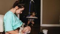 <p>Memberi ASI eksklusif untuk si kecil nggak selalu mudah. Pun bagi Christa Hood. (Foto: Christa Hood/ Hidden Perfections Photography)</p>