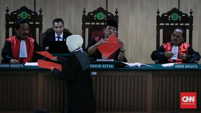 Menurut juru bicara Mahkamah Agung Suhadi, Indonesia idealnya memiliki 11 ribu hakim yang tersebar di seluruh pelosok negeri.