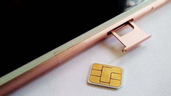 Menkominfo Rudiantara memperkirakan industri seluler dapat menghemat Rp2 triliun dengan adanya kebijakan kartu prabayar.