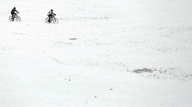 Tak jauh dari Indonesia sebenarnya banyak destinasi wisata berselimut salju di penjuru Asia.